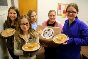 Thanksgiving baskets 2015